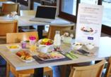 Genießen Sie Ihr Frühstück im Hotel Kyriad Tours Sud Chambray-lès-Tours.