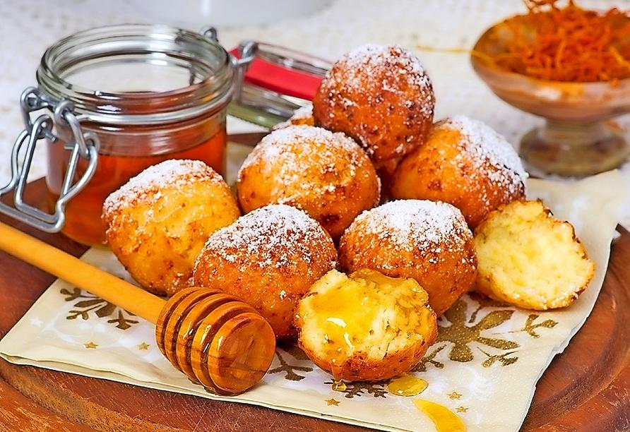 Quarkkeulchen sind ein süßer Klassiker in der sächsischen Küche. Lassen Sie sich das leckere Original während Ihres Aufenthalts nicht entgehen!