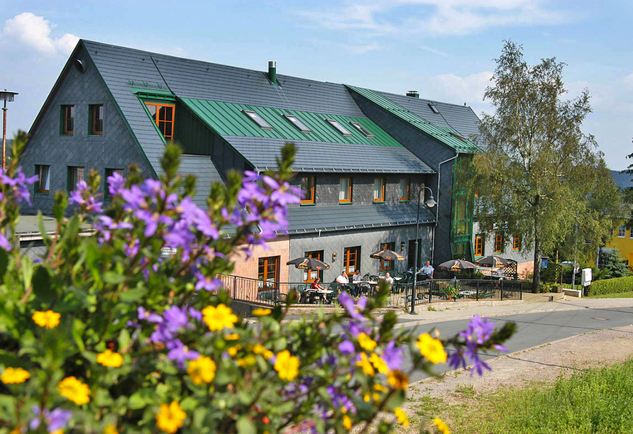 Außenansicht vom PRIMA Hotel am Eisenberg
