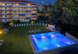 Hotel Schweizer Hof, Außenpool beleuchtet