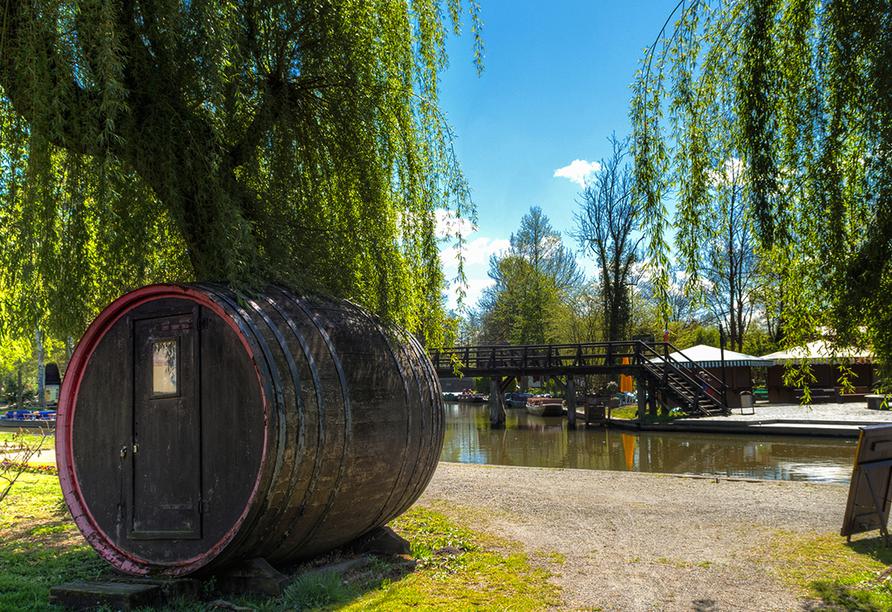 Früher wurden die Spreewaldgurken in riesigen Holzfässern gelagert.