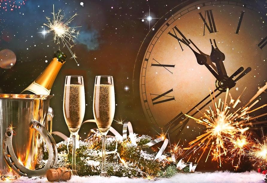 Freuen Sie sich auf Ihren Jahreswechsel im Das Waldkönig Ferienhotel in Bayerisch Eisenstein!