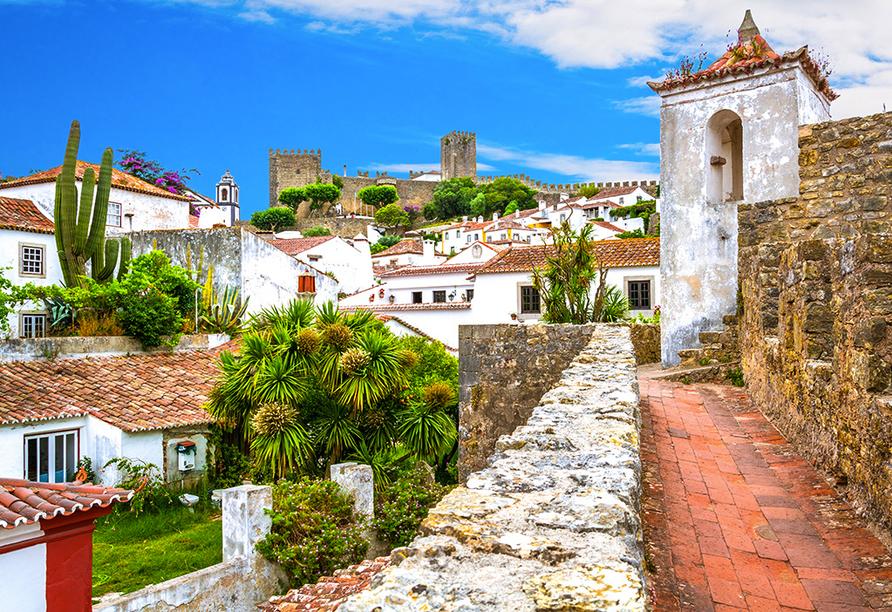 Óbidos erwartet Sie mit hübschen, weißen Häusern.