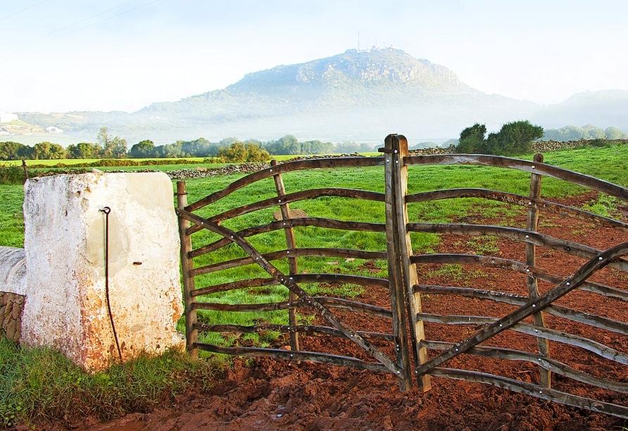 Der Monte Toro ist mit 357 Metern der höchste Berg Menorcas.