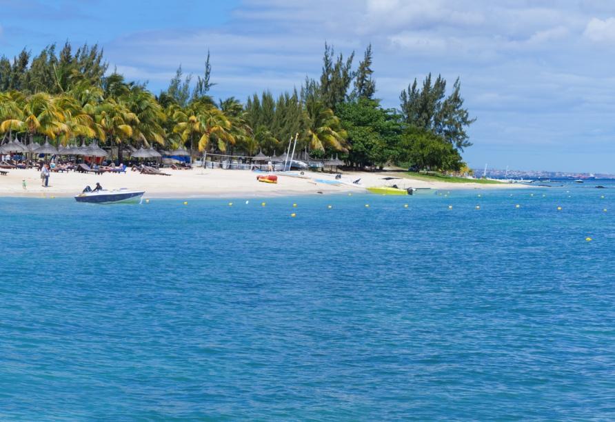 Nehmen Sie ein ausgiebiges Sonnenbad am Strand von Pointe aux Piments.
