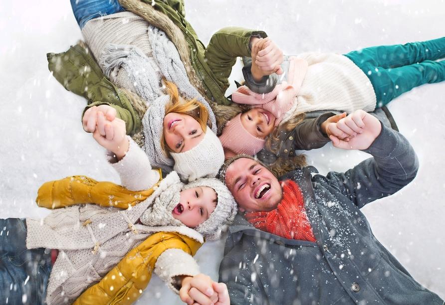 Mit der ganzen Familie vergeht die kalte Jahreszeit wie im Flug.