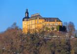 Das imposante Schloss Friedrichstein in Bad Wildungen macht auch in der kalten Jahreszeit einiges her.