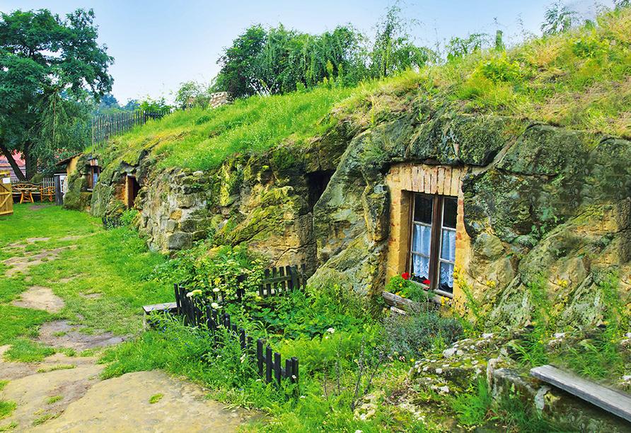 Höhlenwohnungen in Langenstein.