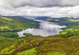 Auf dem Weg in den Raum Glasgow fahren Sie durch die unglaubliche Natur des Trossachs Nationalpark.