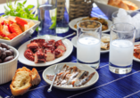Genießen Sie während Ihrer Reise köstliche griechische Speisen.