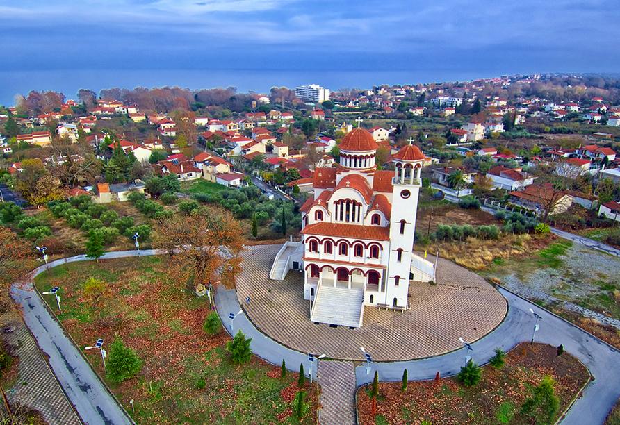 Auch die Saint Raphael Kirche in Platamonas ist einen Besuch wert.