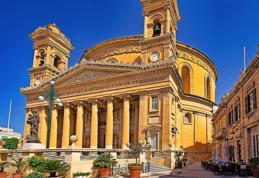 Die Kirche Maria Himmelfahrt in Mosta ist einen Besuch wert.