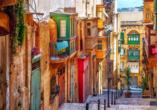 Spüren Sie das Mittelmeer-Flair in den Gassen der malerischen Städte von Malta.