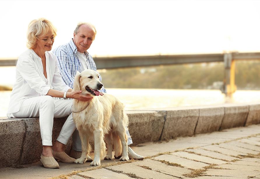 MS Normandie, Paar mit Hund