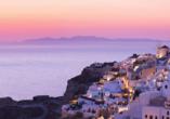 Die Insel Santorin ist bekannt für ihre traumhaften Sonnenuntergänge.