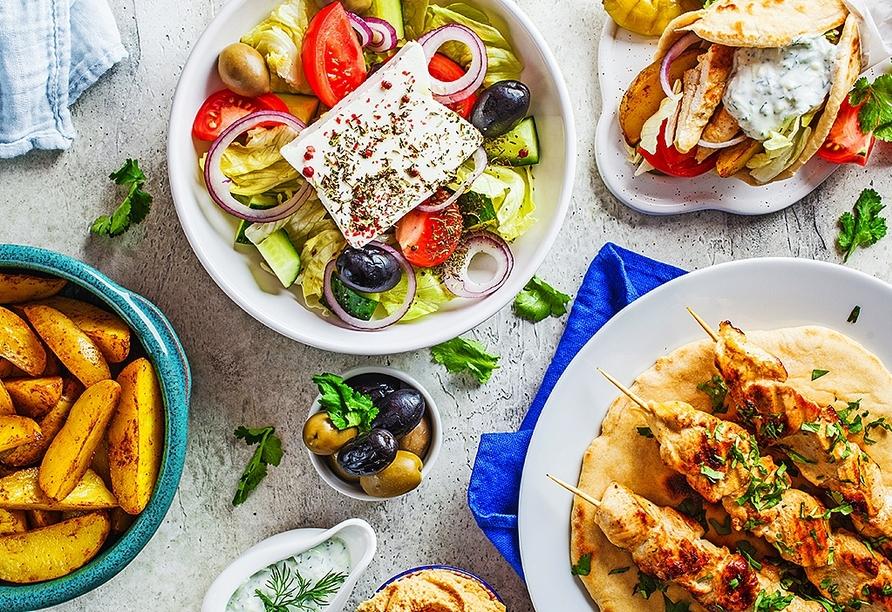 Lassen Sie sich griechische Köstlichkeiten schmecken.