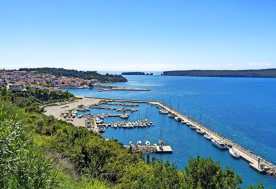 Pylos liegt am südlichen Ende der Bucht von Navarino.