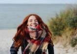 Hotel Trofana Wellness & Spa in Misdroy, Polnische Ostsee, Frau am Meer