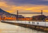 In Bilbao treffen moderne Kunst und Architektur auf schmale bunte Gässchen und wunderschöne Plätze.