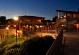 Borgo Magliano Resort, Toskana, Italien, Außenansicht im Abendlicht