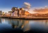 Das Guggenheim Museum ist eines der bekanntesten Sehenswürdigkeiten Bilbaos.