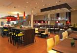 Restaurant und Bar im Courtyard Hotel by Marriott Basel