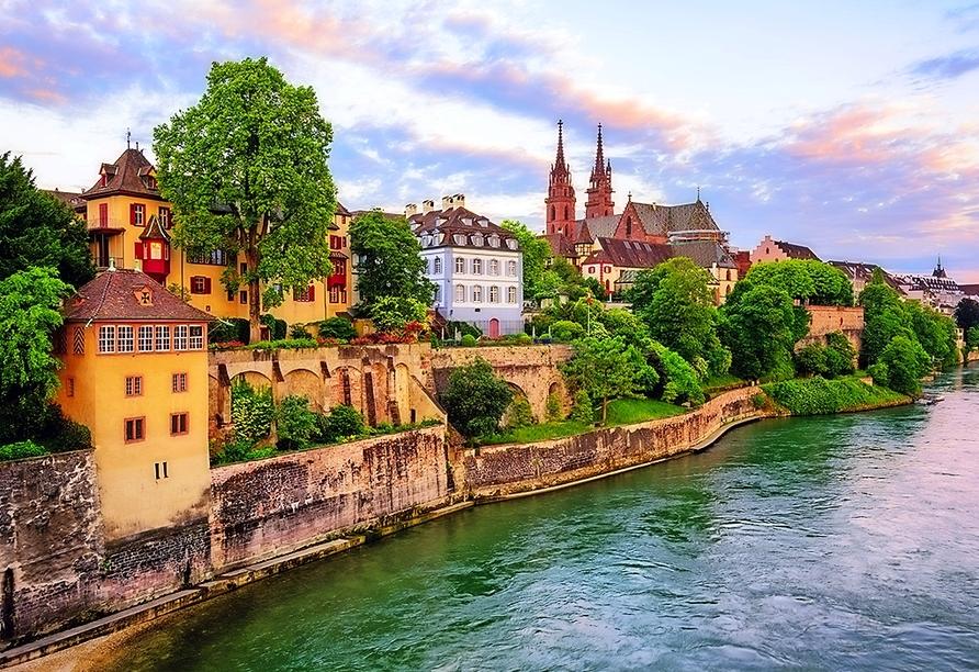 Erkunden Sie die Altstadt von Basel.