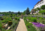 Besuchen Sie das Schloss Leonberg mit dem beeindruckenden Pomeranzengarten.