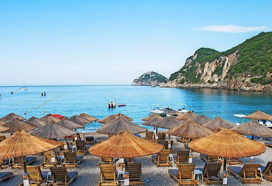 Verbringen Sie entspannte Stunden am Strand von Liapades.