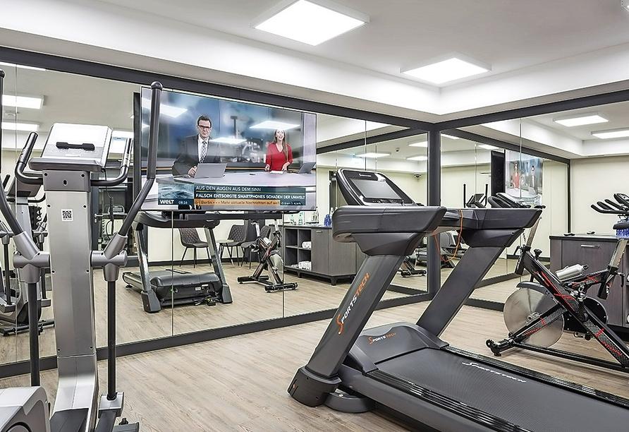 Powern Sie sich aus im Fitnessraum des Hotels Höttl in Deggendorf.