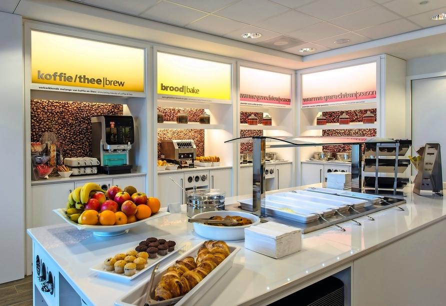 Starten Sie am Frühstücksbuffet im Hampton by Hilton Amsterdam Airport Schiphol gut in den Tag!