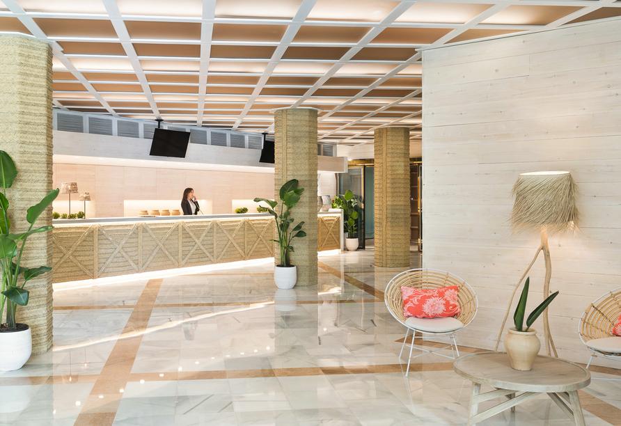 Rezeption im Hotel Indalo Park