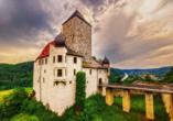 The Monarch Hotel, Ausflugsziel Burg Prunn