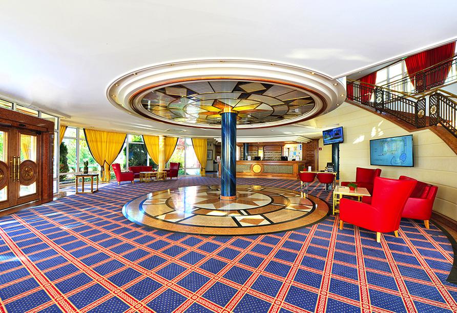 The Monarch Hotel, Empfangsbereich
