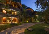 Außenansicht der schönen Anlage vom Beispielhotel Grand Udawalawe Safari Resort.