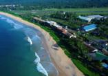 Luftaufnahme vom Beispielhotel Long Beach Resort.