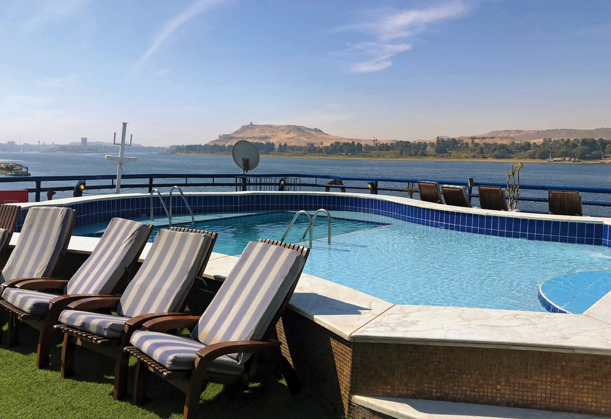 Nil Highlights & Badurlaub in Hurghada, Pool Beispiel Schiff