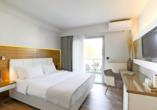 Beispiel eines Doppelzimmers Deluxe im Hotel San Panteleimon in Platamonas