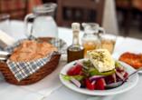 Die griechische Gastlichkeit und bodenständige Küche werden Sie begeistern.