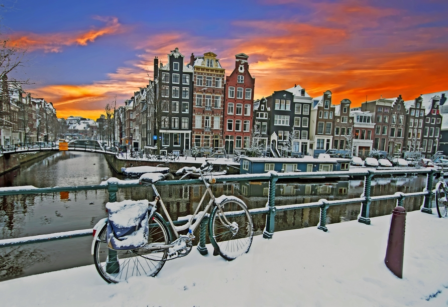 MS Amelia, Amsterdam