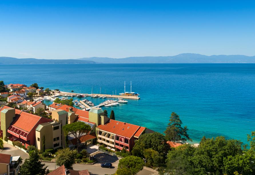 Hotel Aminess Veya in Njivice, Kroatien, Außenansicht