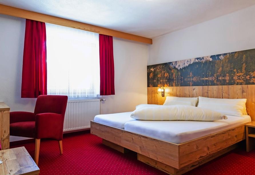 Hotel Jägerhof in Oetz, Beispiel eines Doppelzimmers Jägerzimmer